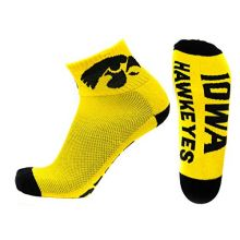 NCAA Iowa Hawkeyes Men's Quarter Socks, Black/Gold