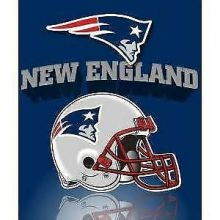 "New England Patriots 50"" x 60"" Gridiron Fleece Throw Blanket"
