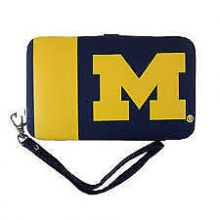 "Michigan Wolverines Distressed Wallet Wristlet Case (3.5"" X .5"" X 6"")"